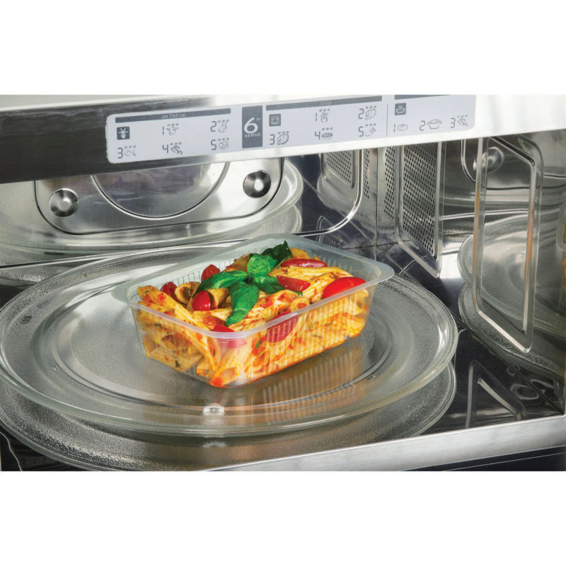 Transparent Polypropylene (PP) Compac container in microwave oven